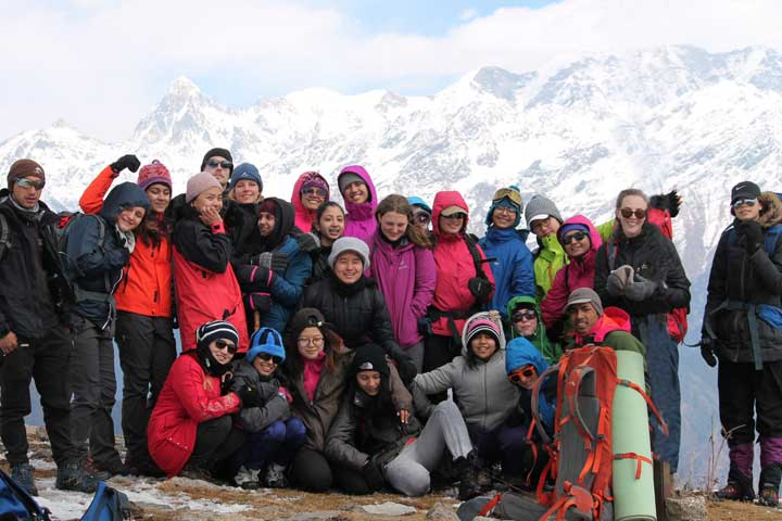Dayara Bugyal trek team photo